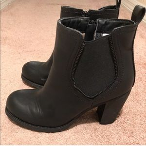 Shoes - Stacked Heeled Chelsea boots